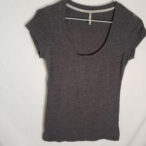 Thesis basic grey scoop neck tee shirt medium